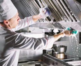 chemia czyszczaca do restauracji